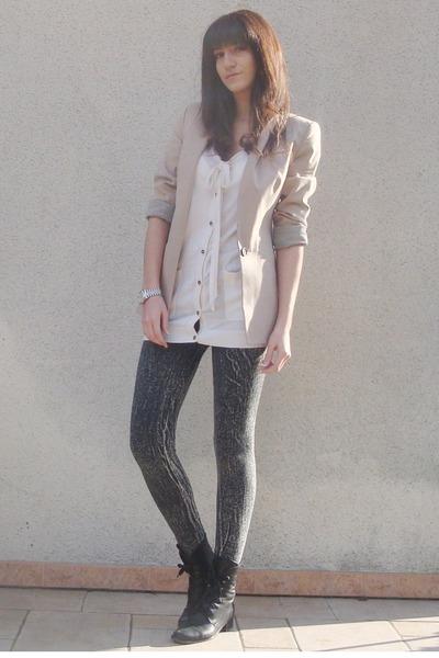 beige Zara jacket - gray H&M leggings - beige H&M cardigan - black vintage boots