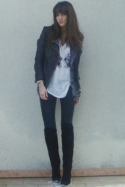 white UO t-shirt - black vintage boots - Zara jeans - black Maje jacket