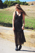 black maxi lace skirt skirt - black button up tank H&M blouse