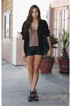 black faux leather Forever 21 shorts - black zipper Steve Madden wedges - neutra