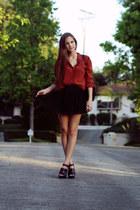 burnt orange backless LF stores blouse - black pleated Topshop skirt - black pla