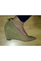 Tinley Road wedges