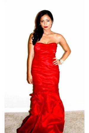 red rosette detail uniqe-vintage dress