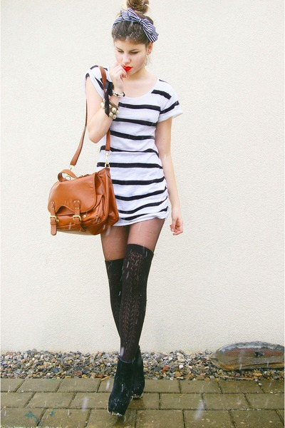 satchel bag - striped shirt - overknee socks