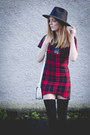 Red-tartan-missguided-dress-red-puffa-topshop-coat