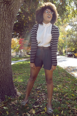 Forever21 shorts - stripes H&M sweater - light pink Forever 21 blouse