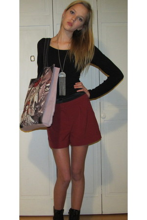 burgundy Forever 21 shorts - people Forever 21 hoodie