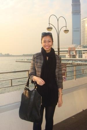 Black Yves Saint Laurent Easy Bag Bag | Chictopia