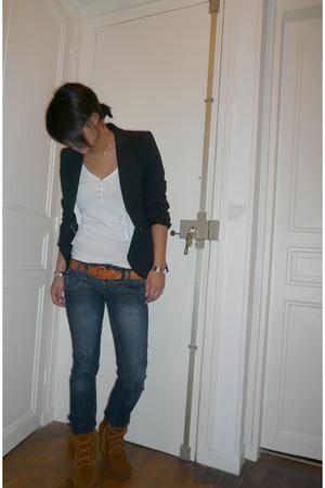 Zara blazer - Bershka t-shirt - Zara jeans - Minnetonka