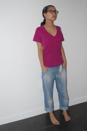 Rayban Wayfarer glasses - American Apparel t-shirt - H&M jeans - Sequoia belt