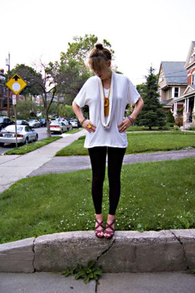 Hanes shirt - H&M pants - Old Navy shoes