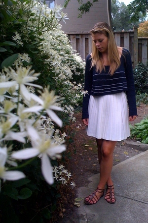 Silence  Noise sweater - Vintage skirt - f21 shoes