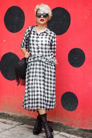 Chicwish dress - giant vintage sunglasses