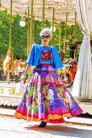 Kristy De Cunha dress - giant vintage sunglasses