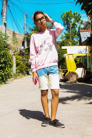 pink printed sweater - light blue acid-washed shorts