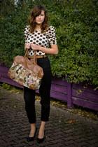 bronze Cubus bag - black Zaffagnini shoes - black pants - camel leather SH belt