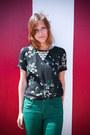 Green-topshop-jeans-black-floral-zara-blouse-black-h-m-vest