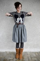 charcoal gray mickey mouse Oysho sweater - bronze Ugg boots