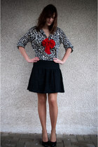 red H&M accessories - tan Cubus shirt - black Vero Moda skirt - black Zaffagnini