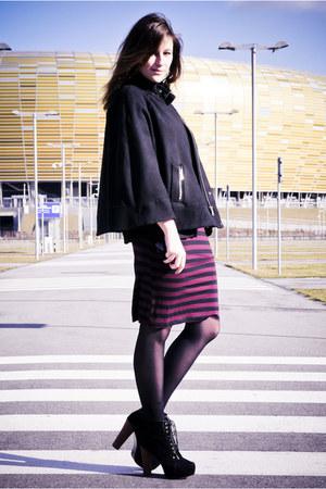 black deezeepl shoes - crimson Primark dress - black Mohito sunglasses