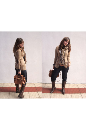 hakei boots - BLANCO jeans - Bershka shirt - H&M scarf - MassimoDutti cardigan