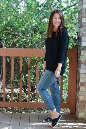 black Dailylook sweater - blue JCrew jeans - black sam edelman sandals