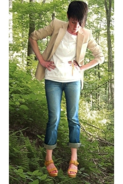 DKNY blazer - Urban Outfitters t-shirt - TsubiKsubi jeans - Rachel Comey shoes -