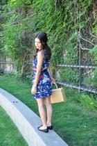 belted vintage dress - basket vintage bag - flats Michael Kors flats