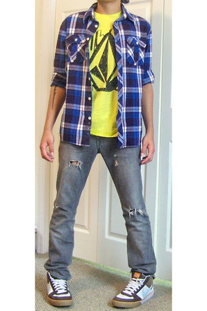 Volcom Stone t-shirt - Old Navy shirt - PacSun jeans - nike shoes