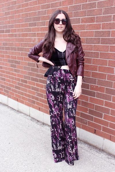 crimson leather jacket H&M jacket - black oversized Karen Walker sunglasses