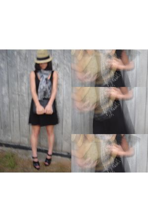 black H&M dress - black Zara shoes - gray H&M scarf - black H&M accessories - be