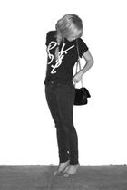 t-shirt - pants - purse