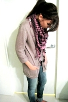 Urban Outfitters sweater - scarf - t-shirt - by corpus jeans - Steve Madden shoe