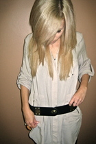 beige Zara top - black leggings - black Deena & Ozzy belt