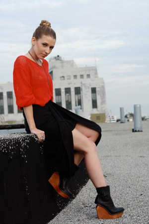 brick red  vintage sweater - black Jeffrey Campbell boots