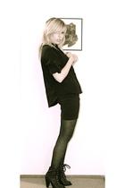 black shirt - black H&M shoes - black python tights