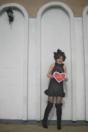 black Forever 21 dress - gold Forever 21 necklace - black Forever 21 hat