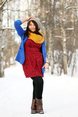 Vero Moda scarf - Din Sko boots - GINA TRICOT dress - H&M hat - H&M blazer