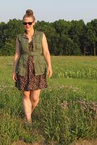 dress - vest - gilt shoes