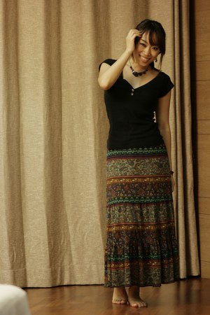 brown skrit road shop skirt - black top Jamy top