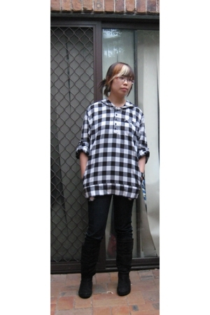 Jeans West shirt - bardot jeans - ICE boots