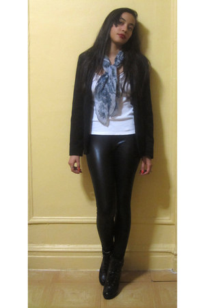 black Urban Outfitters leggings - black Kenneth Cole boots
