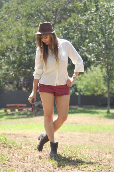ivory button down Frenchi blouse - dark brown booties Rocket Dog boots
