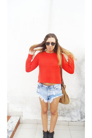 One Teaspoon shorts - asos boots - Ray Ban sunglasses - asos jumper