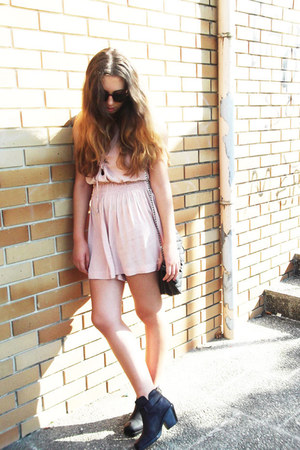 asoscom boots - sunglasses - Mango romper