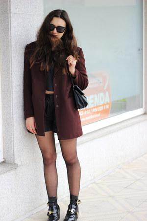 vintage blazer - balenciaga boots - Zara shorts - Celine sunglasses