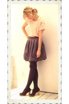 pink t-shirt - gray skirt - gray Matiko shoes