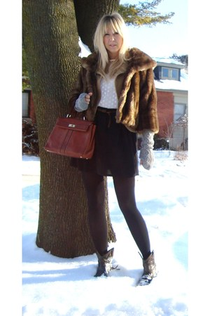 brown ankle boots Steve Madden boots - brown coat - camel wool blazer jules powe