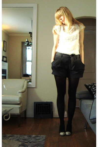 black Lush shorts - beige Lush top - black Nine West shoes