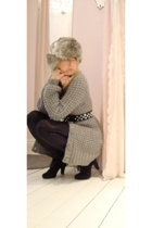 H&M sweater - brave belt - blush pants - Zara boots - vintage hat